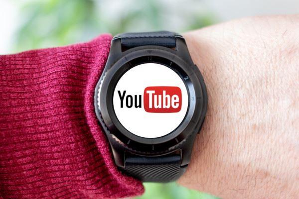 Wear OSのスマートウォッチでYouTubeを見る方法